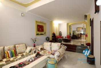 Open floor plan house in Ba Dinh for rent