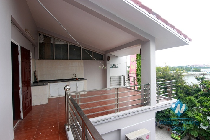 Lake view house with 4 nedrooms for rent in Tay Ho district