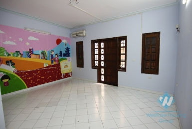 4 floors house for rent in Ba Dinh district, Ha Noi