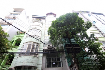 Spacious building for leasing office in Ba Dinh, Hanoi