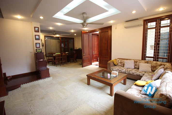 6 bedroom house for rent in Tay Ho, Ha Noi