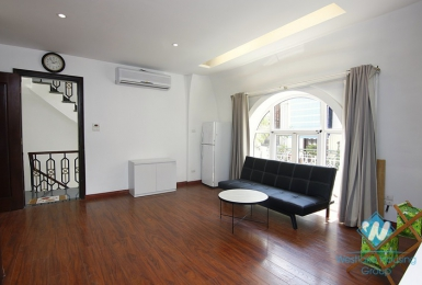 Bright studio for lease in Quan Thanh street, Ba Dinh, Ha Noi