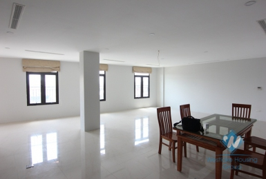 New and bright office for rent in Van Cao street, Ba Dinh distrist, Ha Noi