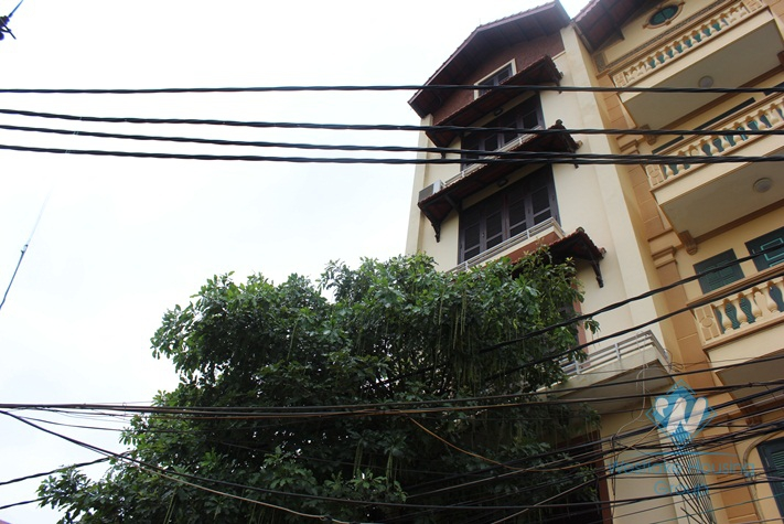 6-floor house for rent in Au Co Street