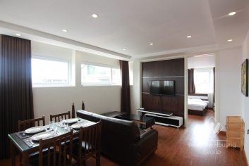 Good and clean two bedroom apartment for rent in Xuan Dieu street, Tay Ho, Ha Noi