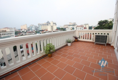 Large balcony apartment rental in city centre