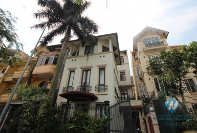 Lake view house with 5 bedrooms in Tay Ho