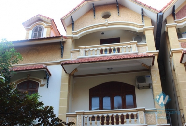 Unfurnished house available for rent in Nghi Tam street, Tay Ho, Hanoi