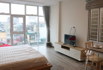 Lovely studio for rent in Ba Dinh, walking distance to Lotte Lieu Giai