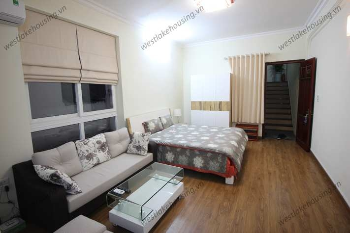 Bright and clean studio apartment for rent on Xuan Dieu, Tay Ho, Hanoi