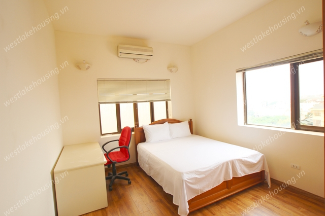 High quality apartment with balcony for lease in Tay Ho area, Ha noi